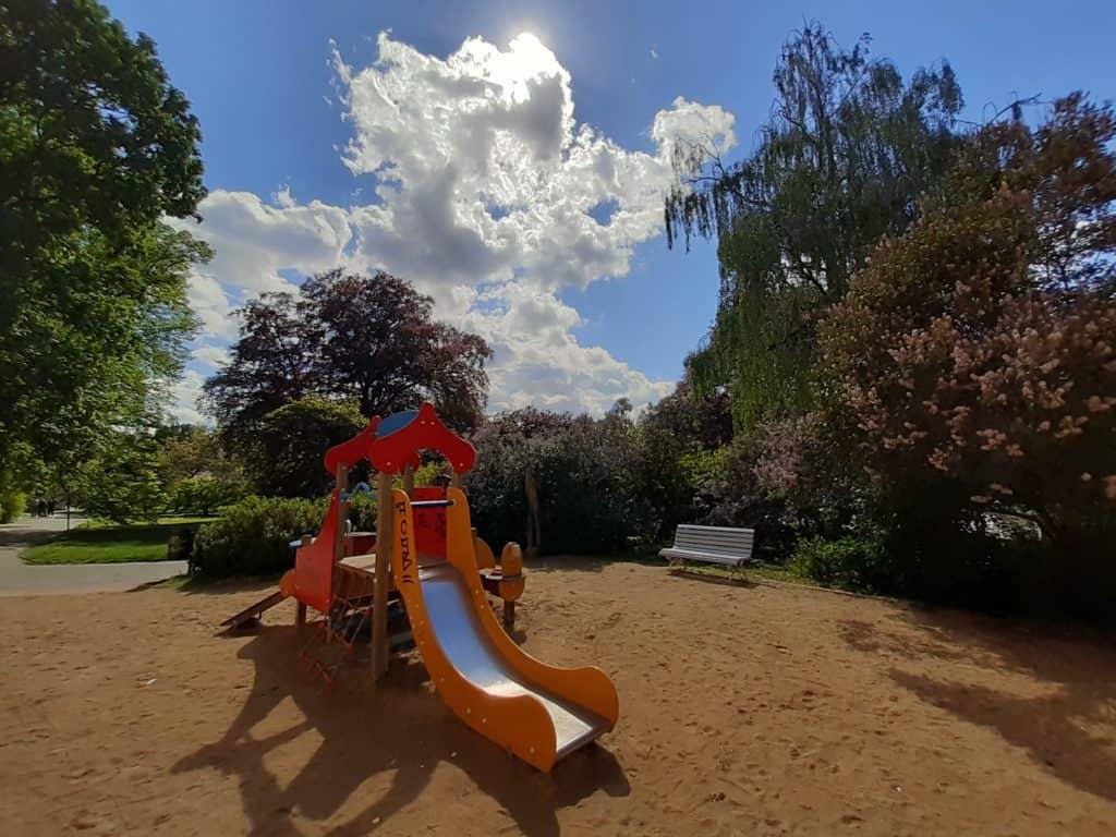 Vojanovy sady, dětské hřiště v Praze
